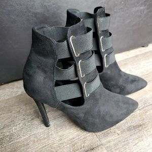Liliana Ladies Black Closed Toe Ankle Booties